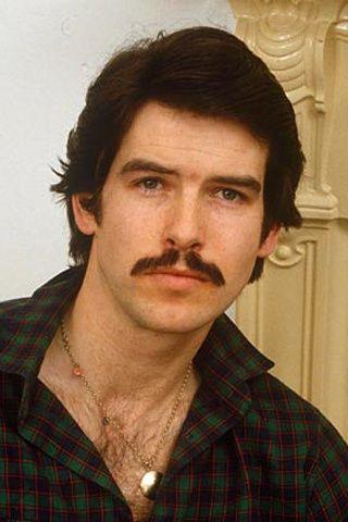Pierce Brosnan  moustache 25805d9e5343
