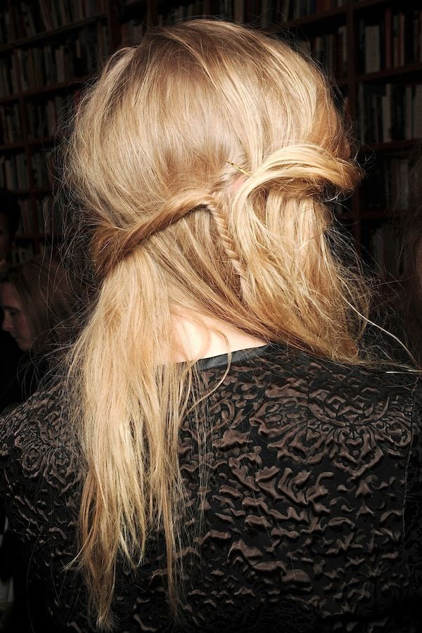 Le Fashion: Hair Inspiration: Romantic Half-Up Hairstyle With Mini Fishtail Braid