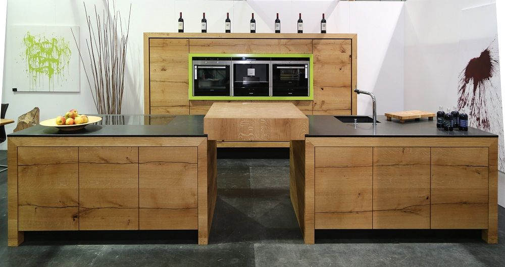 Schreinerei Eder massivholz küche aus donau eiche mit großen ansatztisch