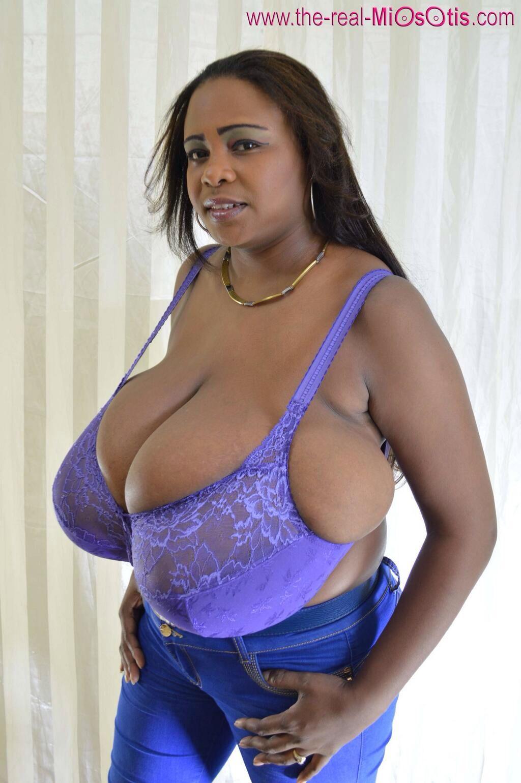 Small bouncing boobs naked gifs