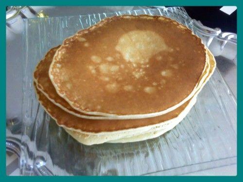 Pour changer un peu au petit déjeuner voici une recette très simple et rapide pour des pancakes moelleux et délicieux )) La recette : Ingrédients : (pour environ 12 crêpes) -200 g de farine -3 cuil. à soupe de sucre -1 cuil. à café et demi de levure chimique...