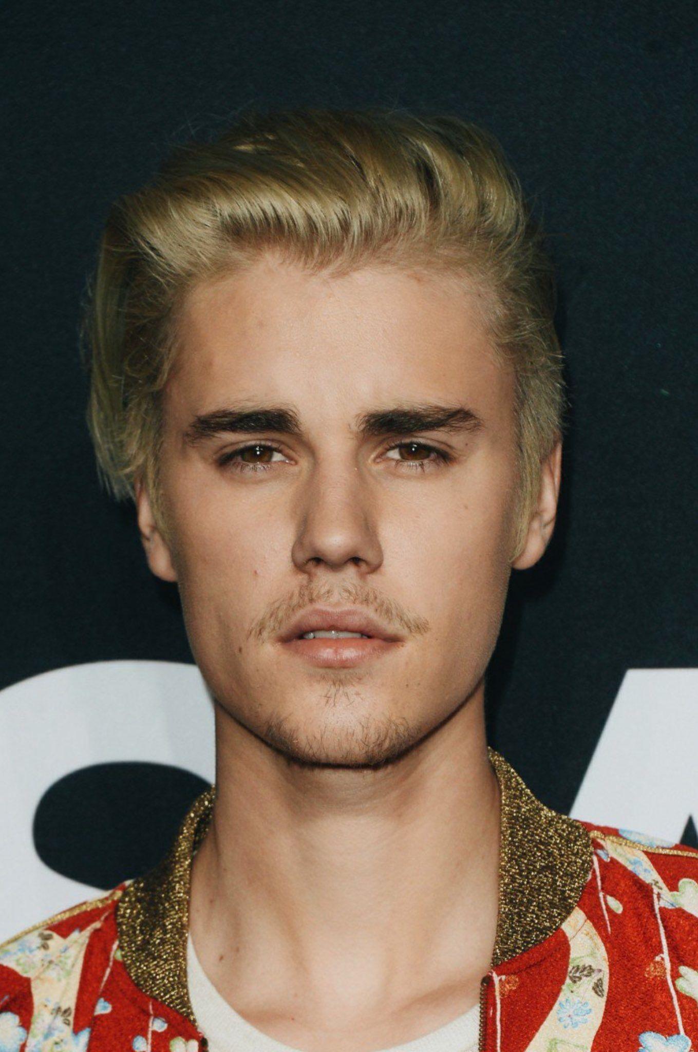 Pin Von Jordyn Auf Art Justin Bieber Moda Justin Bieber Und Cabello