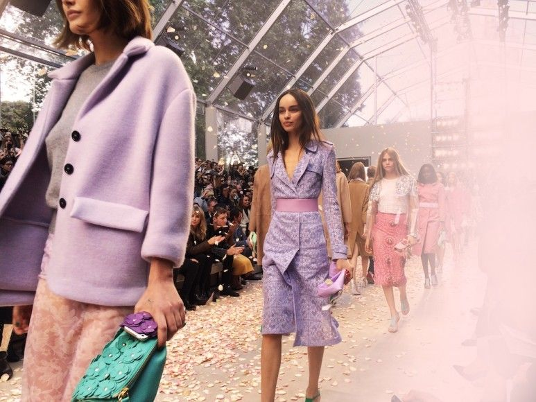 Ambient image of the Burberry Prorsum Womenswear Spring_Summer 2014 Sho_002