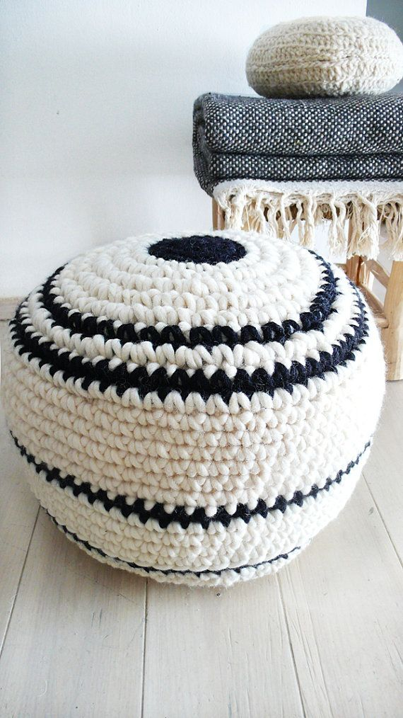 Crochet pouf thick wool Natural undyed and por lacasadecoto | Puf ...