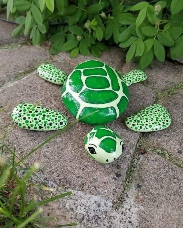 Photo of A simple and sweet little way to create rock garden art!