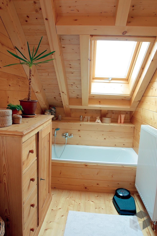 Bad aus Holz im Haus \'Ottenbach\' von Rems-Murr-Holzhaus ...