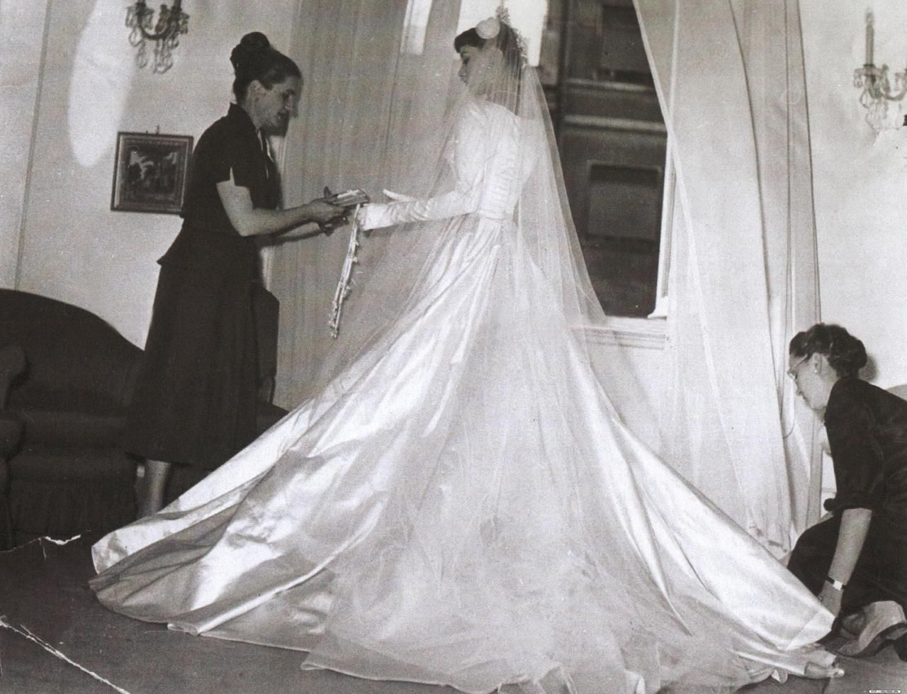 Audrey Hepburn - wedding gown. This was going to be her very first ...