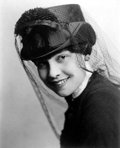 A Certain Cinema Galleries The Milliner S Art Pretty Hats Veiled Hats Vintage Millinery