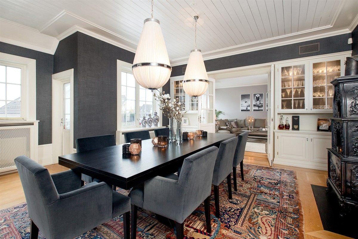 FINN – Klassisk familievilla med kvaliteter - Generøs takhøyde - Plassbygde innredninger - Sep praktikantdel + utleiedel.