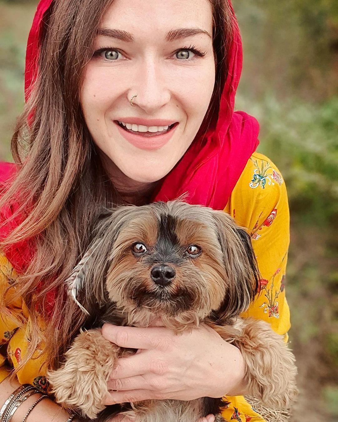 Rosie Gabrielle   Rosie Gabrielle in Pakistan   Rosie Gabrielle with Dog