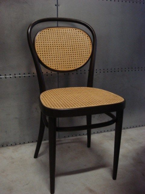 Thonet stoel model 215R design Michael Thonet