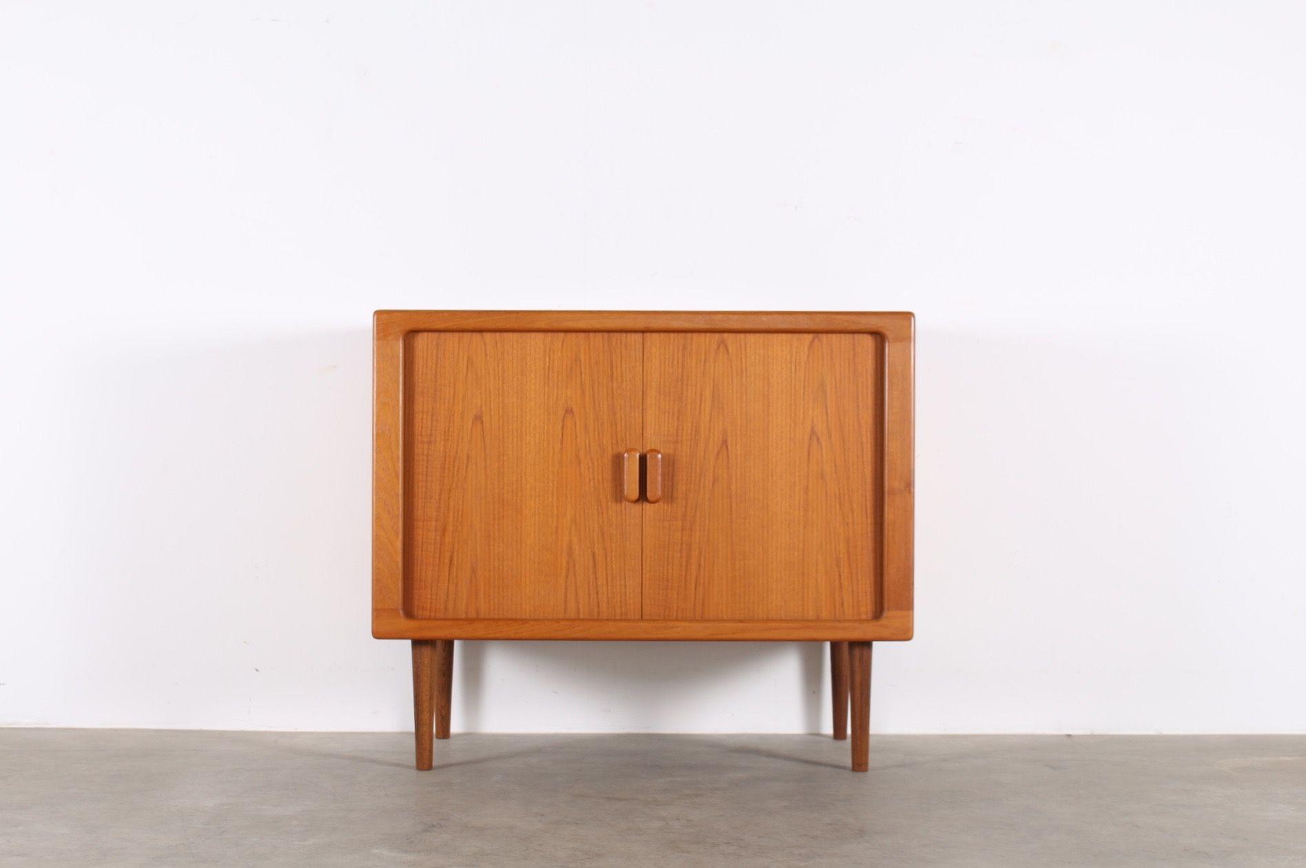 Buffet Commode Bahut Meuble Vintage Scandinave Design A Liege Danemark Meuble Vintage Mobilier De Salon Idees De Decor