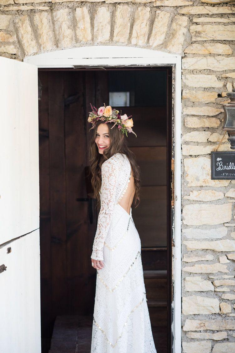 Real wedding lindsay dan boho barn wedding in rue de