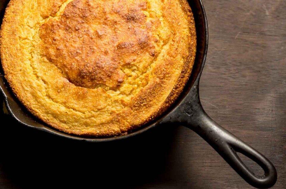 Skillet Cornbread Recipe In 2020 Skillet Cornbread Corn Bread Recipe Cornbread