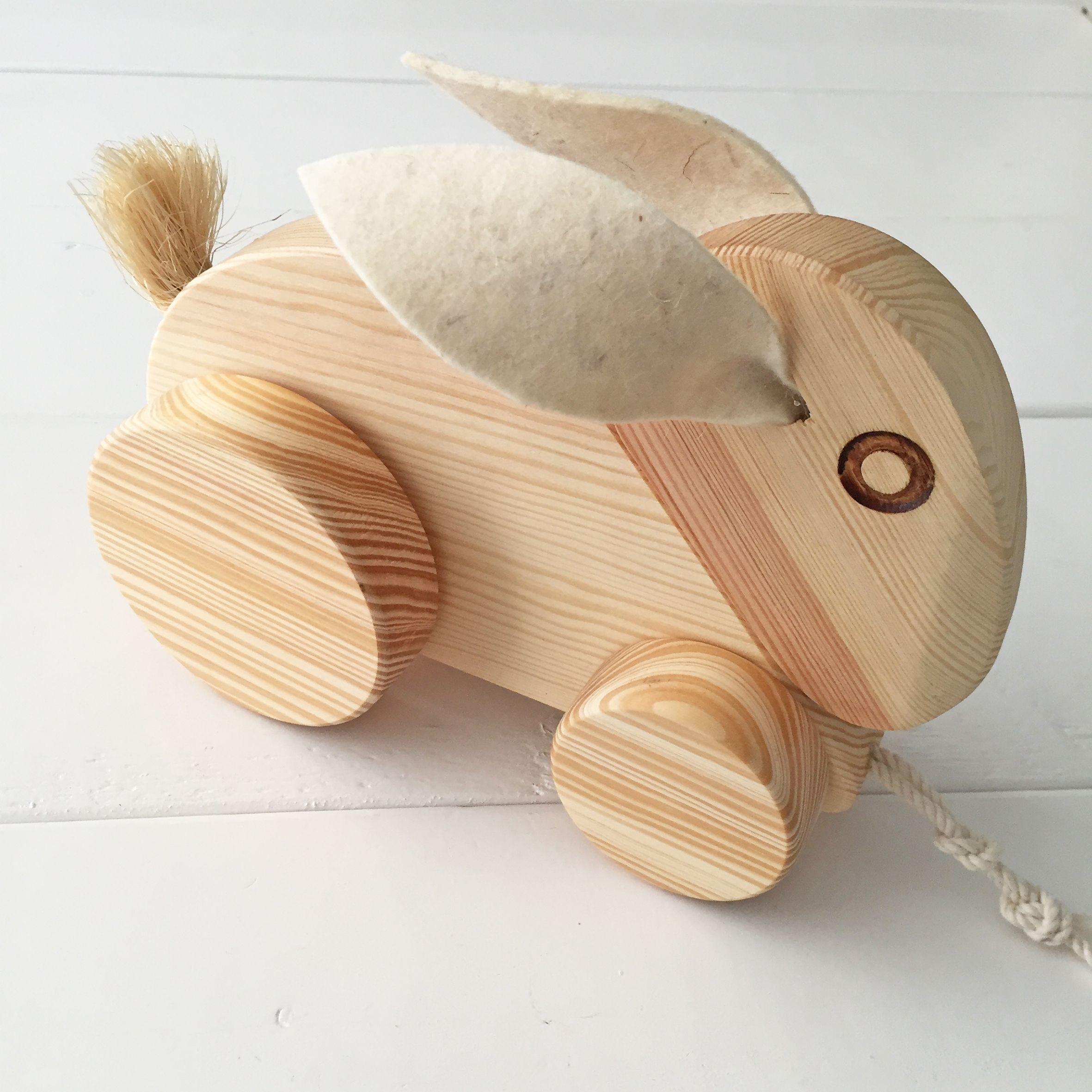 houten trekkonijn trek r hout kraamcadeau houten speelgoed