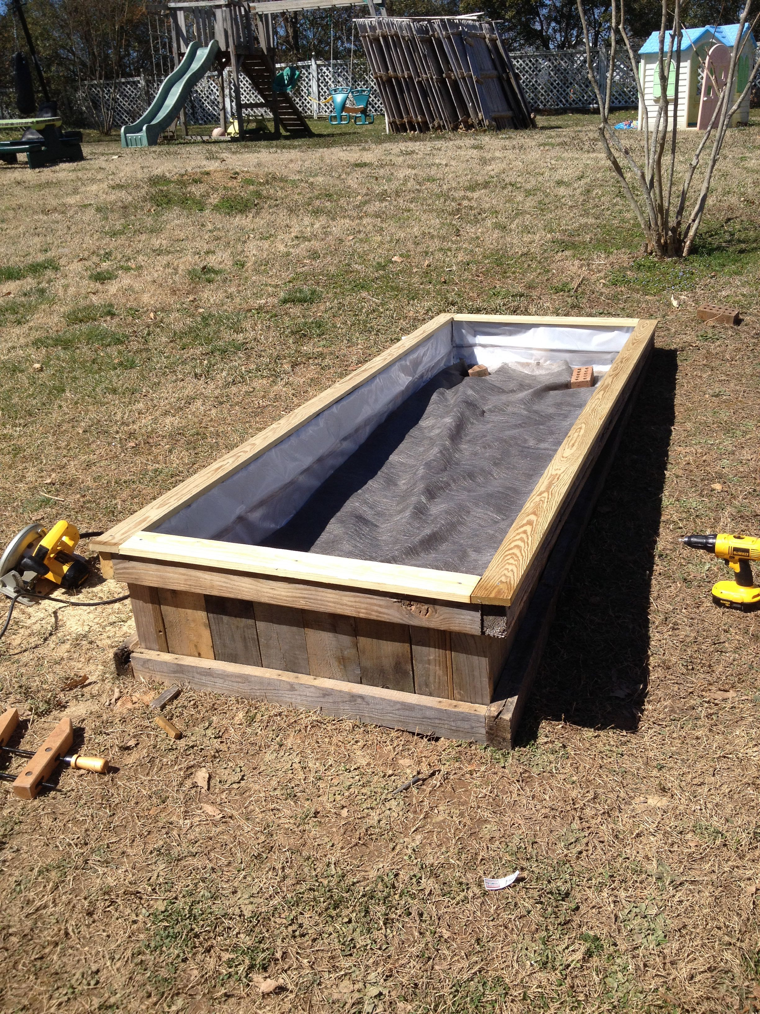 Repurposed pallet raised flower bed- make a 3D box as a frame, dig ...