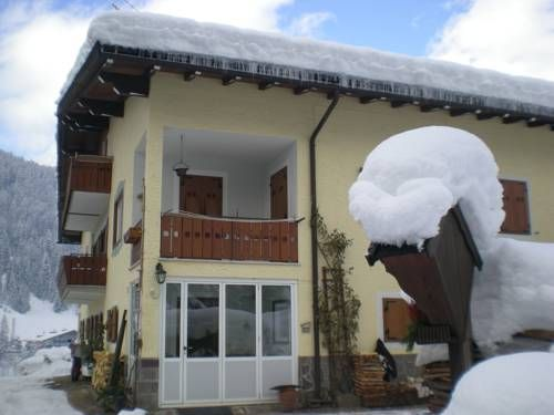 Appartamenti Erika Soraga Located just outside Soraga and a short walk from Soraga Lake, Appartamenti Erika offes a lake-view apartment with free WiFi and private parking. It is 150 metres from the nearest bus and ski bus stop.