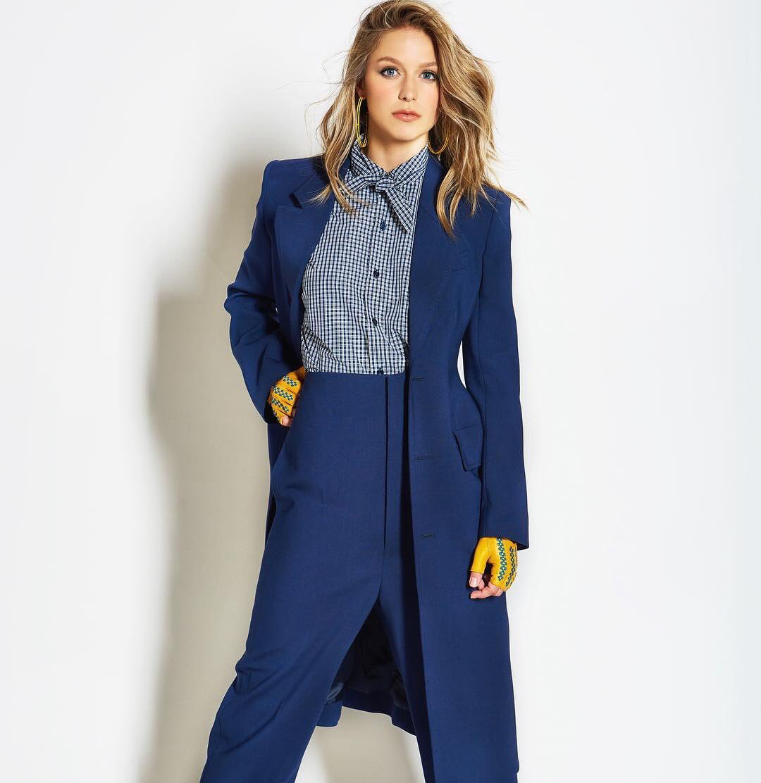 She S Wearing A Pantsuit Melissa Supergirl Melissa Benoist Mellisa Benoist