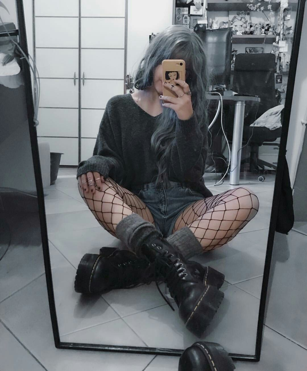 Goth Girl Aesthetic Pfp