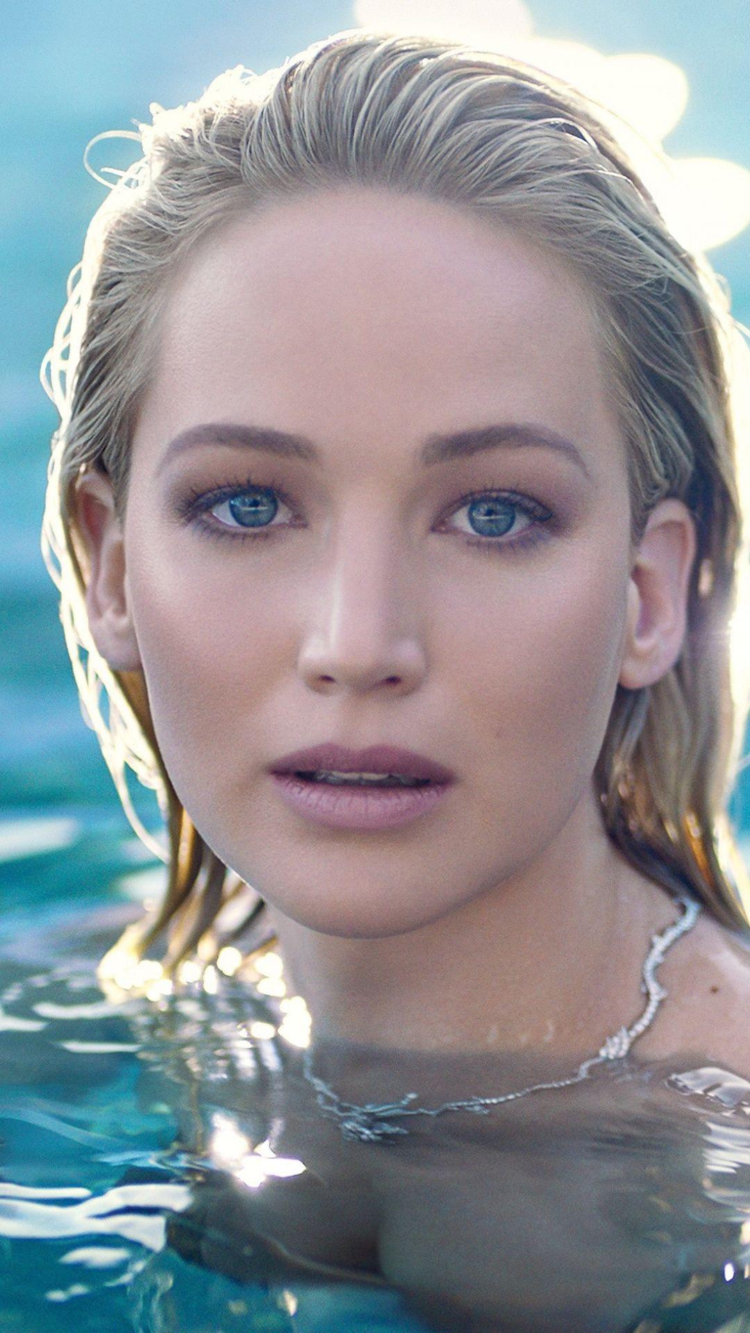 Blue Eyes Swimming Beautiful Jennifer Lawrence 1080x1920 Wallpaper Jennifer Lawrence Pics Jennifer Lawrence Photos Jennifer Lawrence