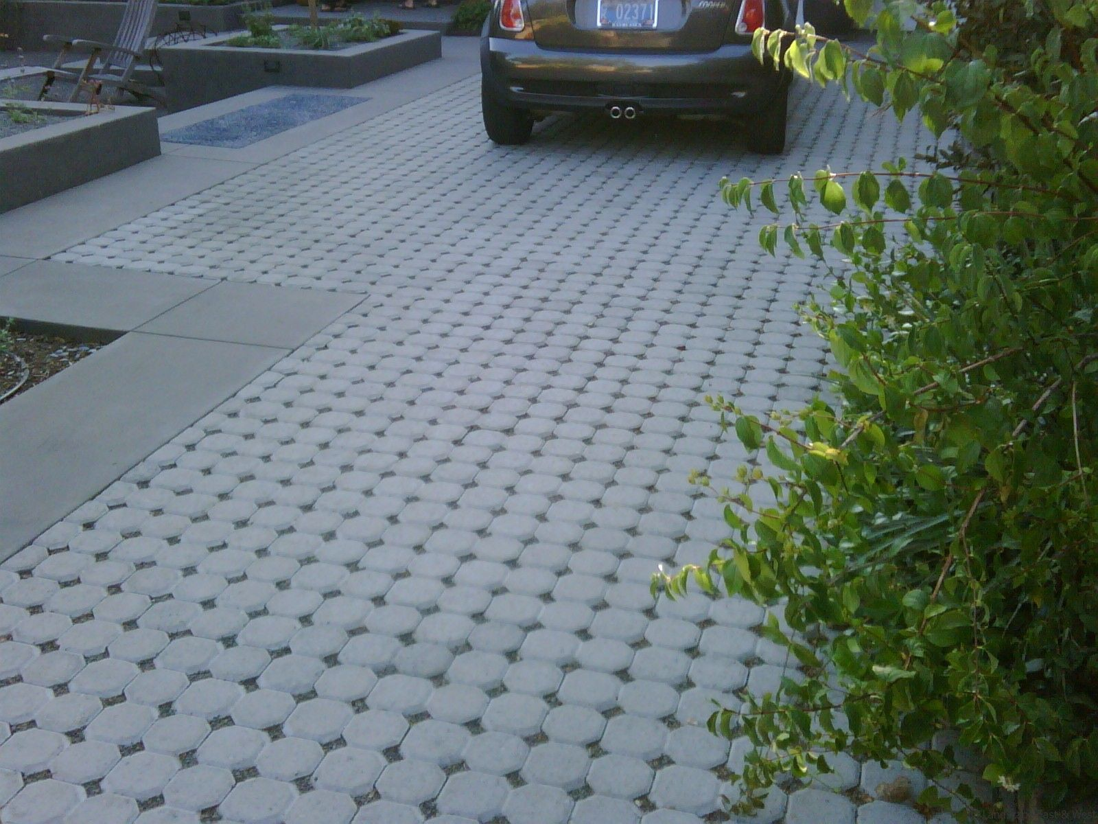 Paver pattern gravel concrete or pavers driveway for Paving garden designs