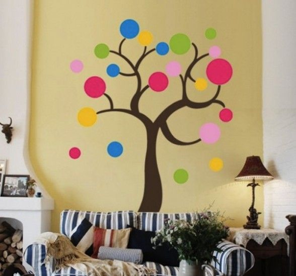 Bright Living Room With Circle Painting - Home Decorating Ideas ...