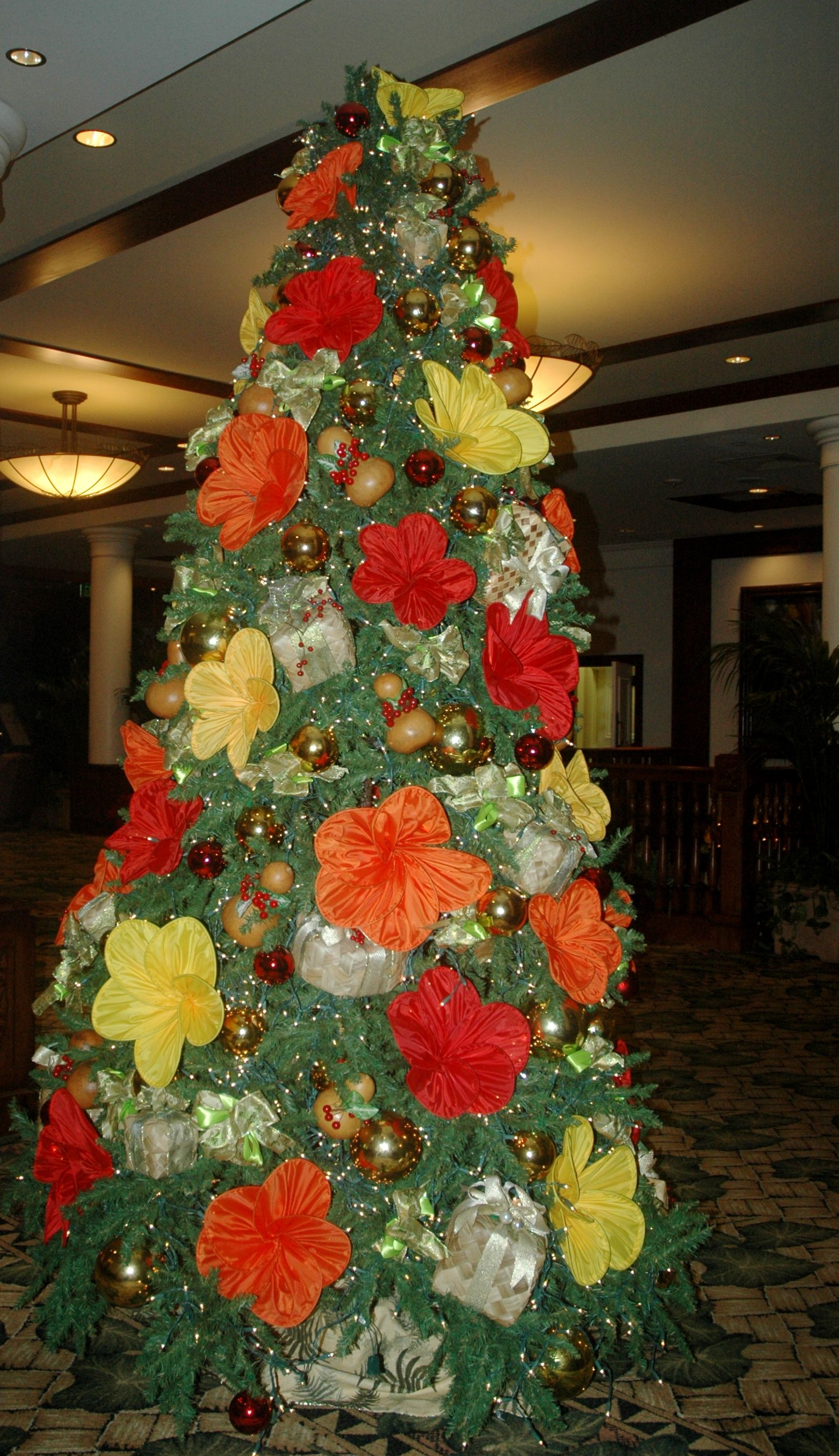 Christmas At The Outrigger Hotel In Hawaii O Christmas Tree 3