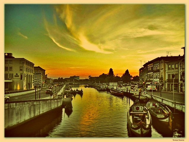 Landmarks and Buildings in Aveiro, Portugal (canal central main channel sunset) - a photo by Teresa Soares