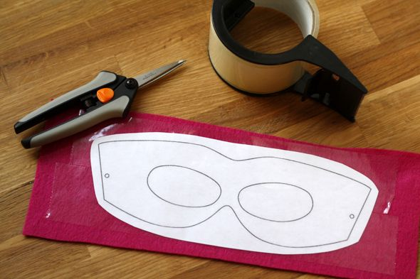 Diy Kids Felt Superhero Mask Step By Step Looks Simple Enough If