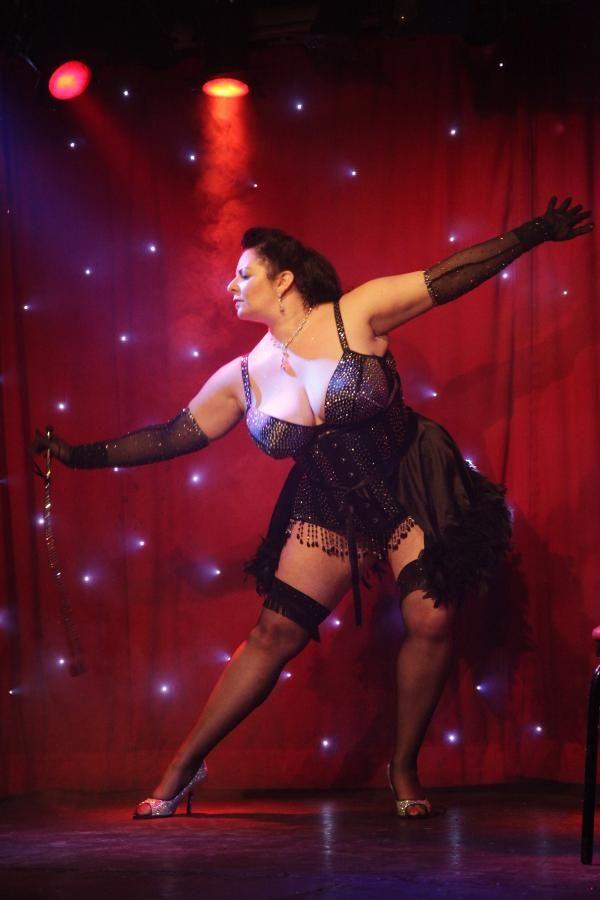 "Fabia Cerra. 5'7""-8"". British Buxom Burlesque Dancer. #FabiaCerra #Fabia #BurlesqueDancer #Burlesque #Curvy #Buxom #OZ #OmegaZone"