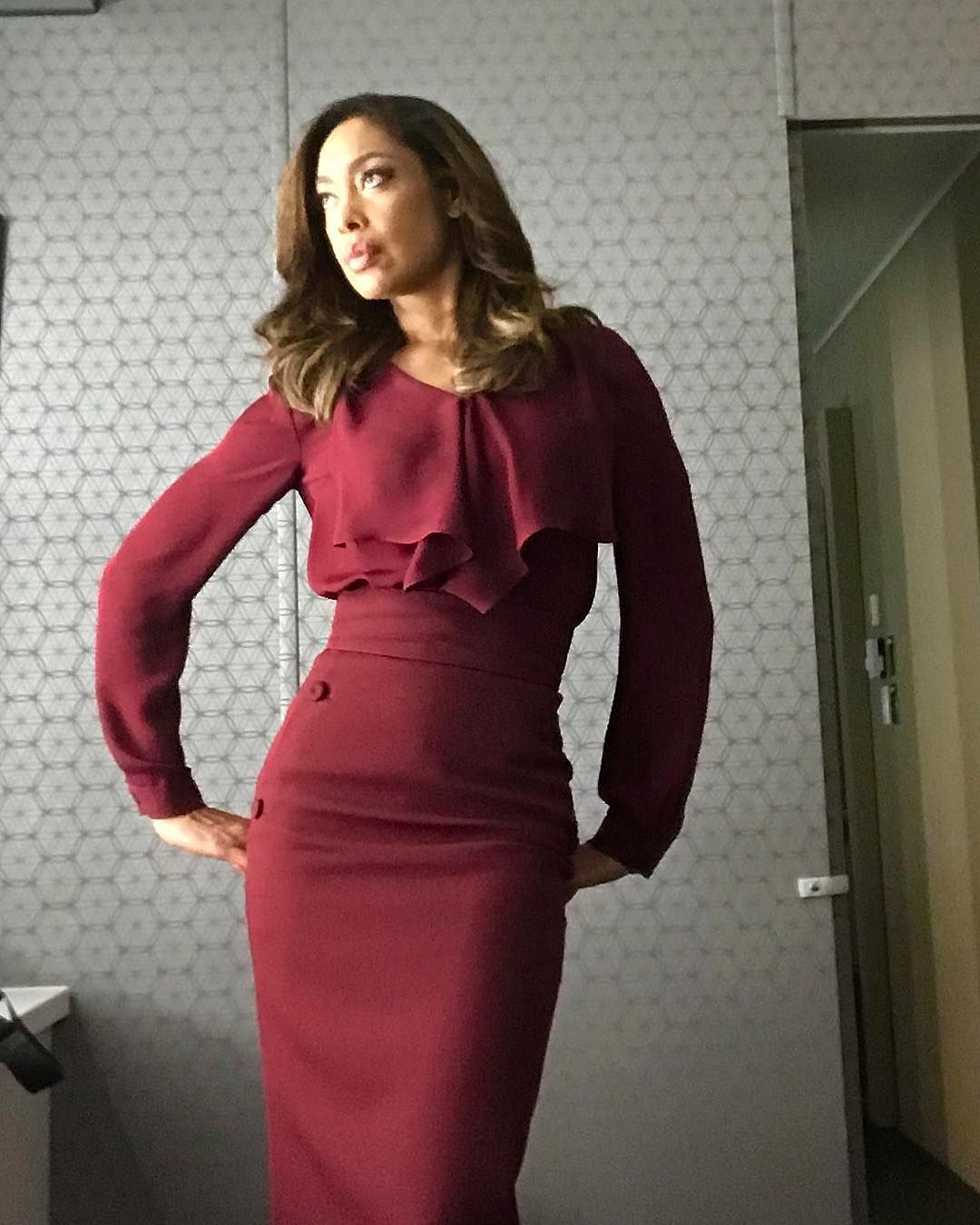 Gina Torres On Instagram Tbt To Just Before The Holidays And This Completely Gratuitous Trailerse Professional Dresses Business Dresses Business Dress Code