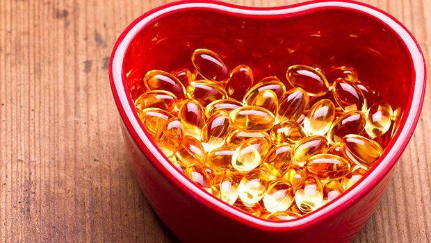 ٧ فوائد لا تعرفينها عن كبسولات فيتامين E للبشرة والجلد Fish Oil Benefits Fish Oil Vitamins