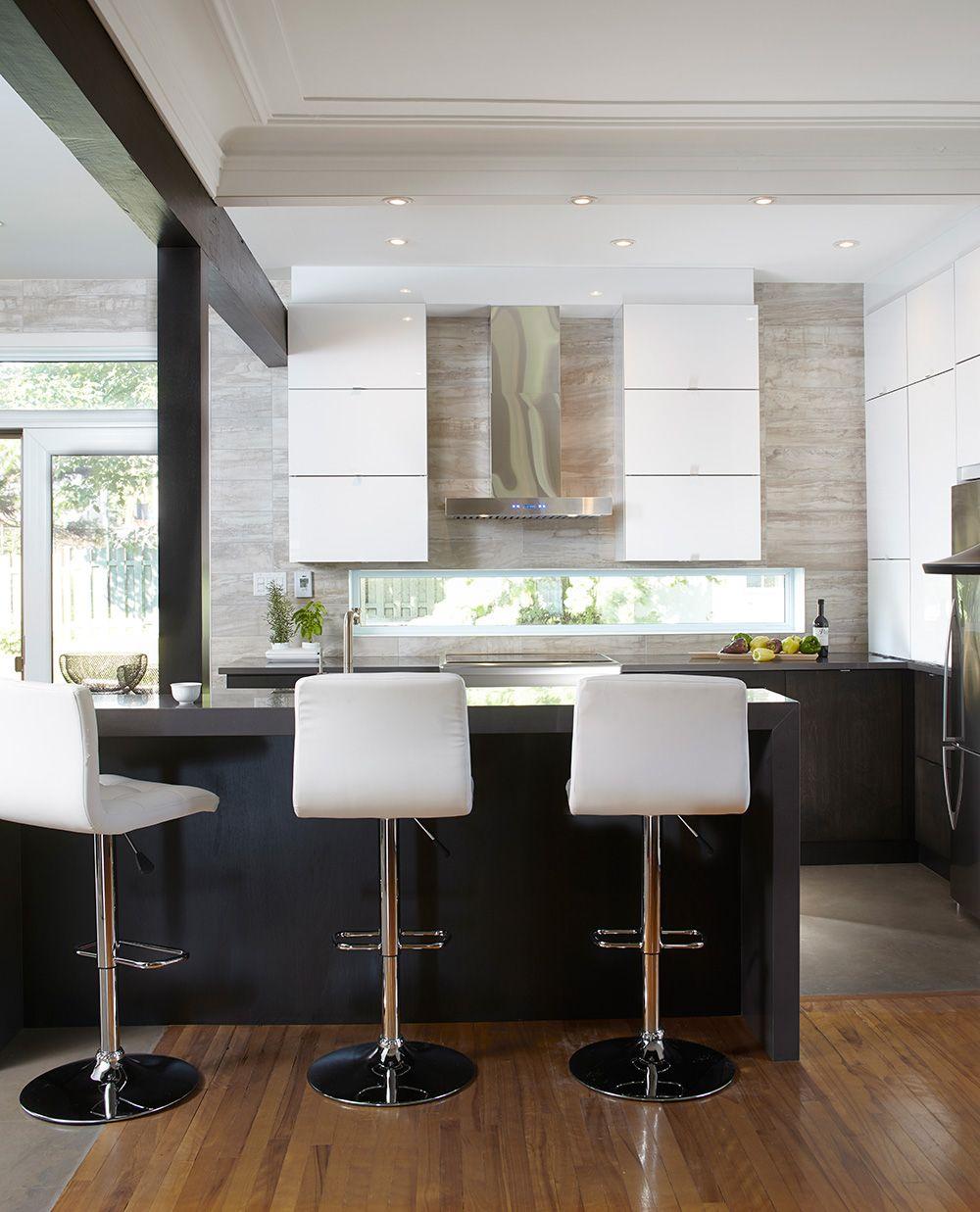 Armoires de cuisine moderne en acrylux merisier teint for Armoire de salle de bain moderne