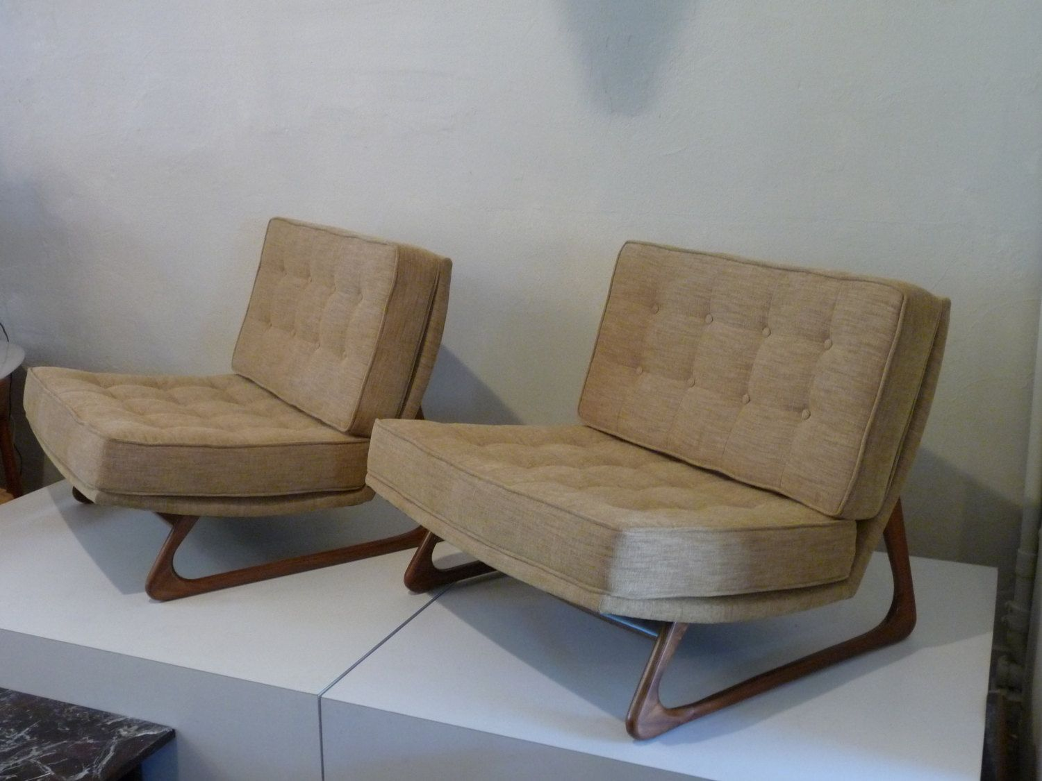 Merveilleux Pair Of Adrian Pearsall Chairs Wide Lounge Chair By XcapeVintage