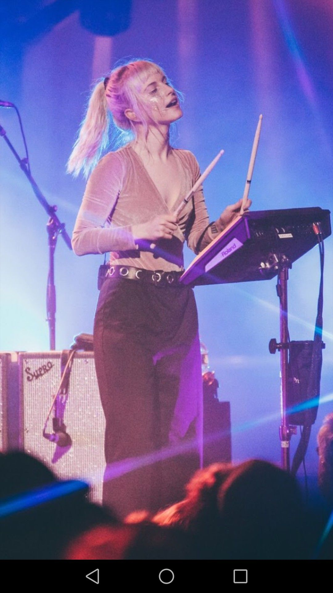 Hayley Williams Paramore Phone Background Wallpaper Hayley Williams Style Hayley Williams Hayley Paramore