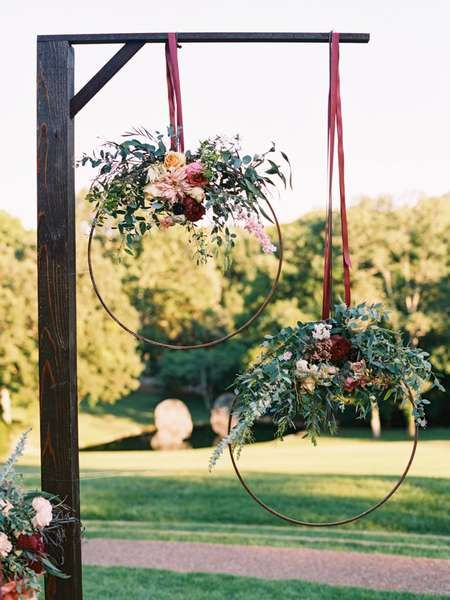 Photo of Inspirational flower and leaf wreaths to decorate your wedding party!