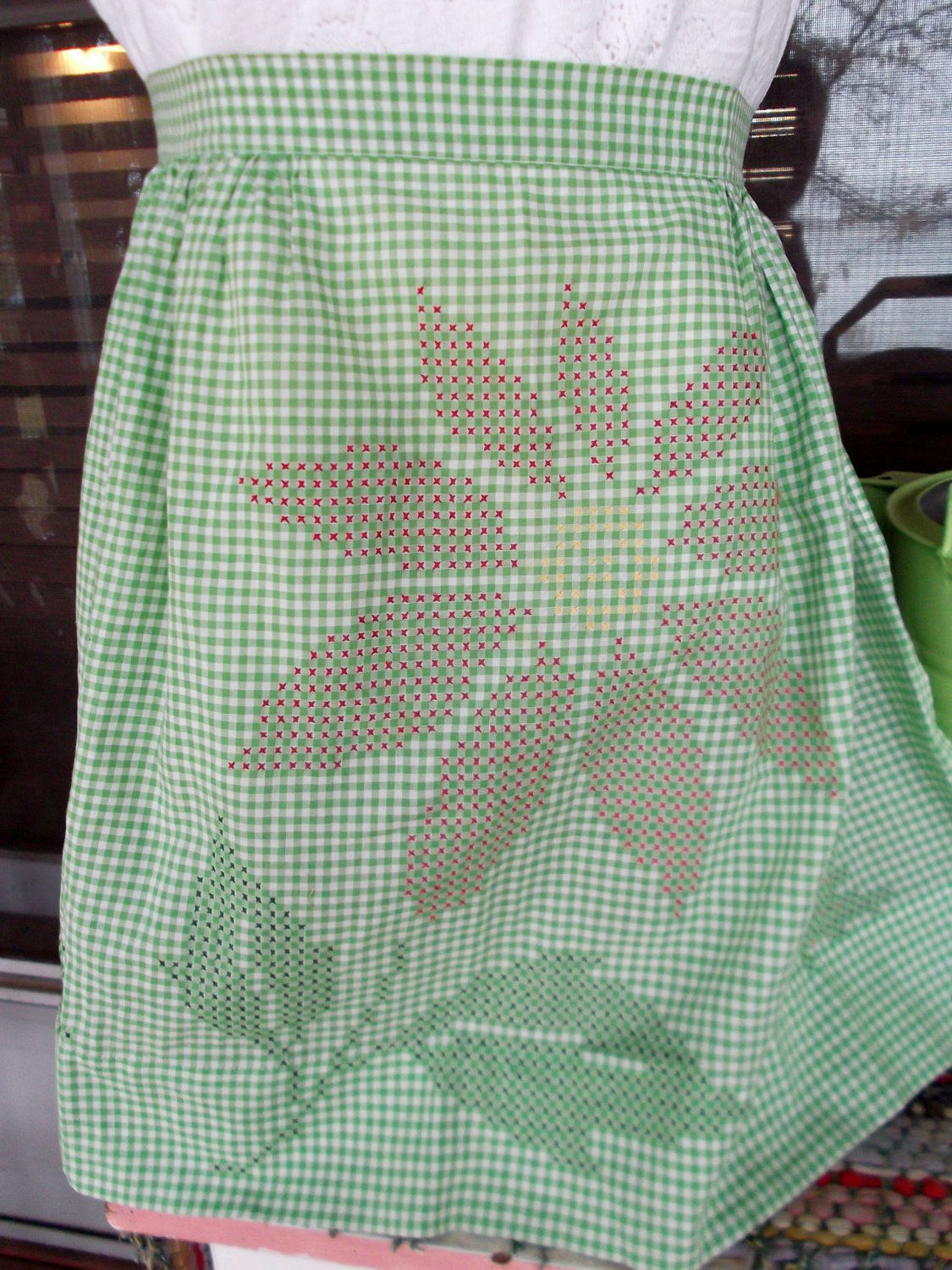White half apron vintage - Vintage Holiday Green And White Gingham Half Apron With Chicken Scratch Embroidery Poinsettia 16 00