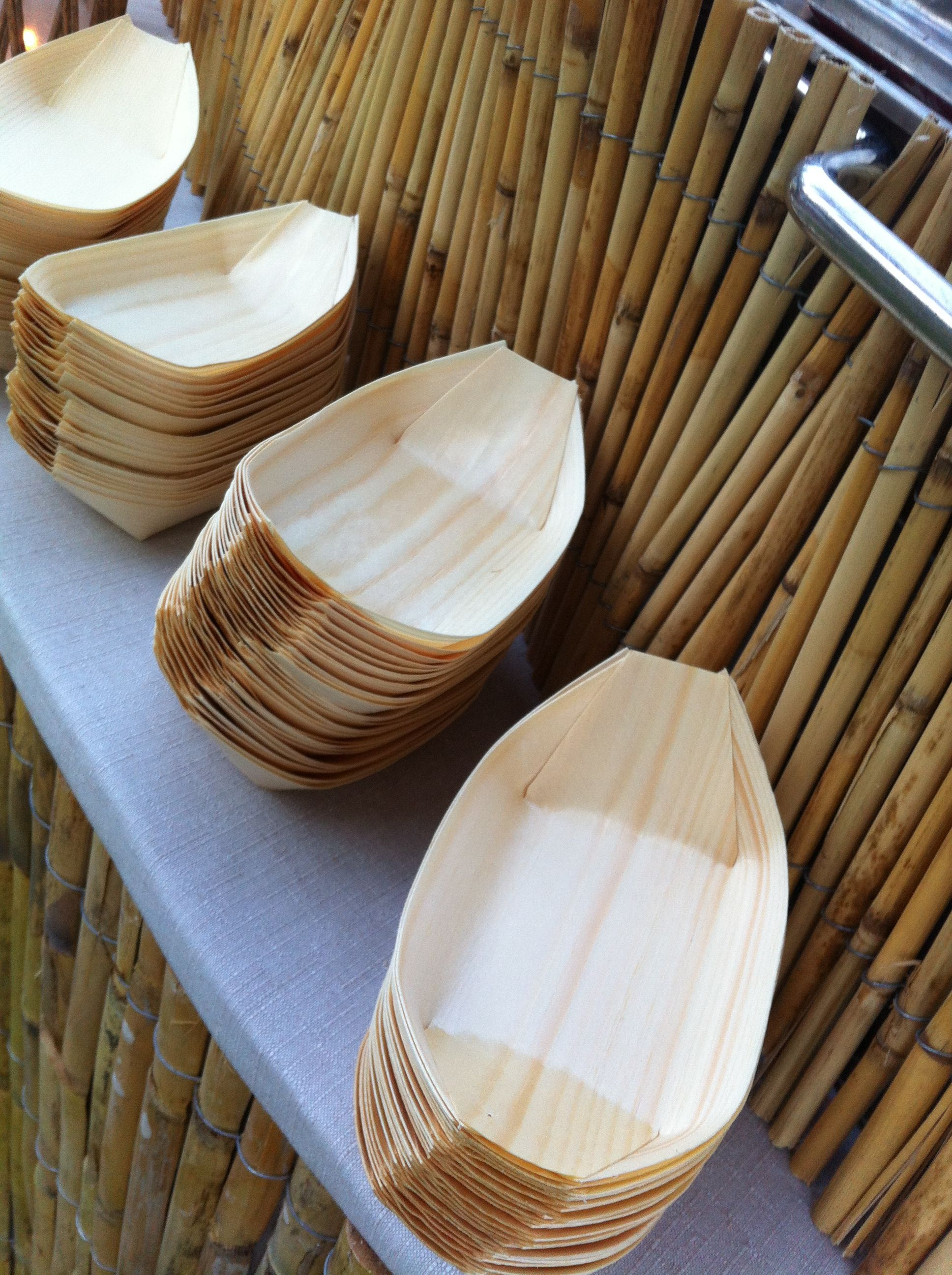 Wooden plates thai theme pinterest plates for Bamboo canape boats