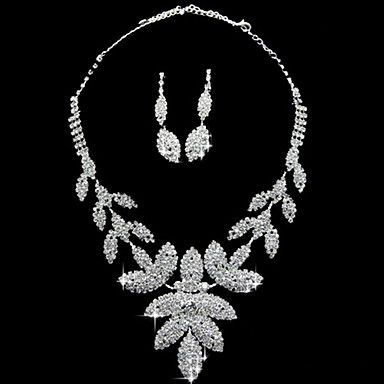 Rhinestone+Nice+Earrings+And+Necklace+Set+in+Silver+Alloy+–+USD+$+39.99