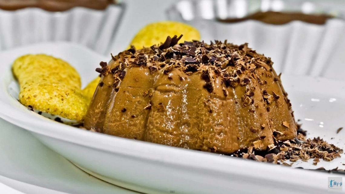 Budino al cioccolato fondente senza glutine e senza zuccheri aggiunti