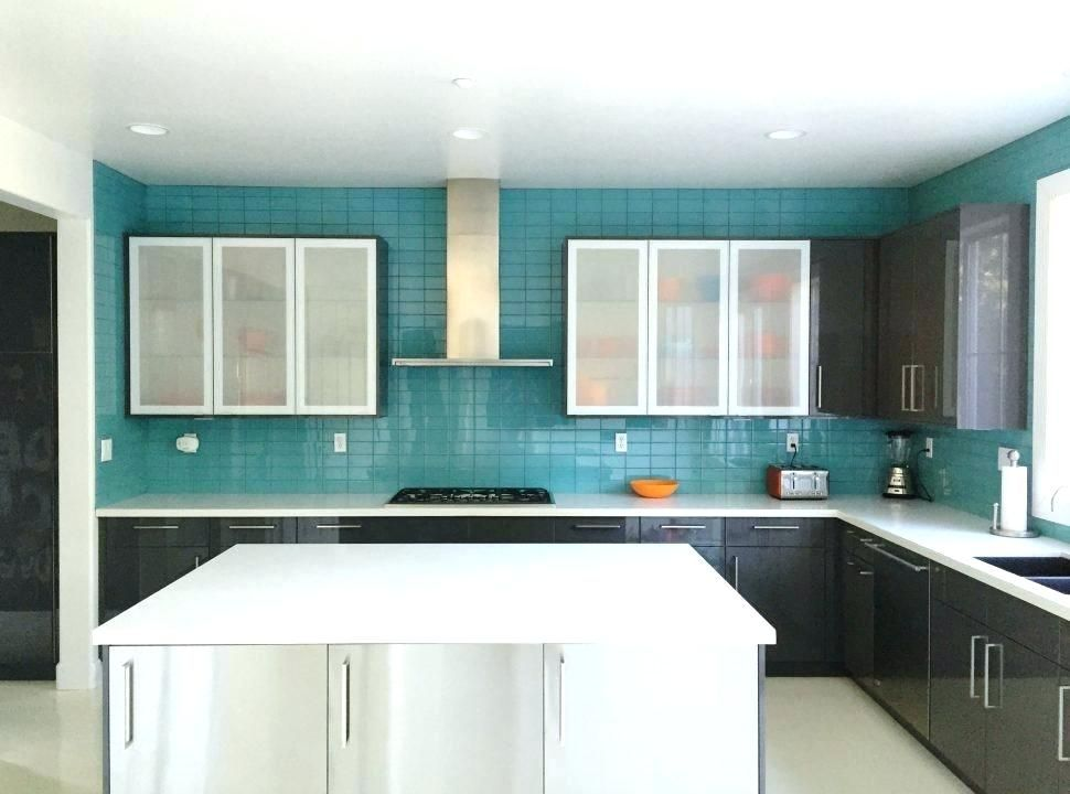 Teal Tile With Black Grout