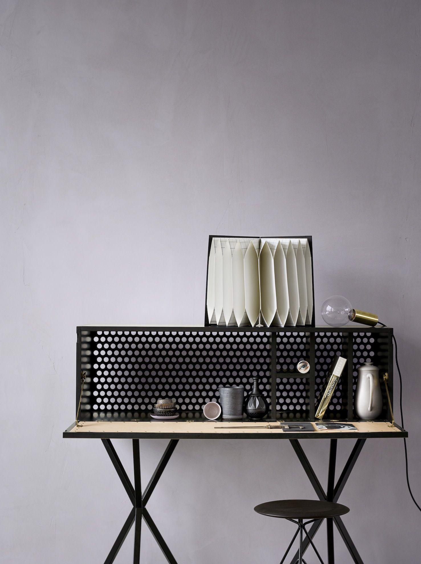 Black Desk / Heidi Lerkenfeldt | Furniture | Pinterest | Escritorios ...