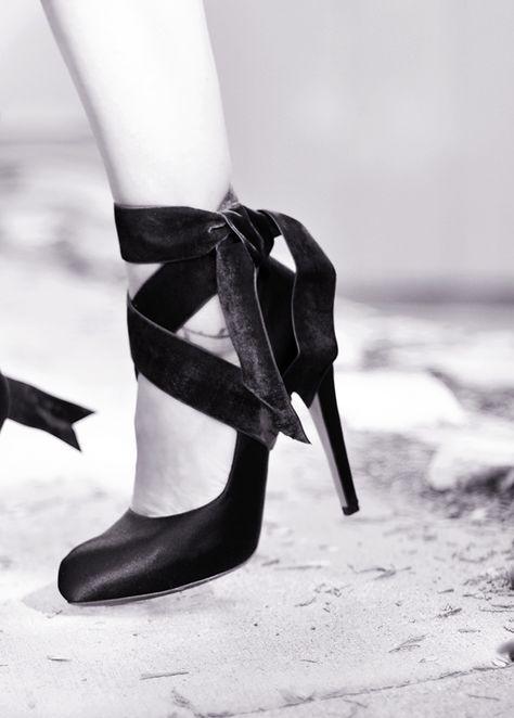 6fd64769819 Velvet Ribbon Ankle Wrap Bow Heels DIY