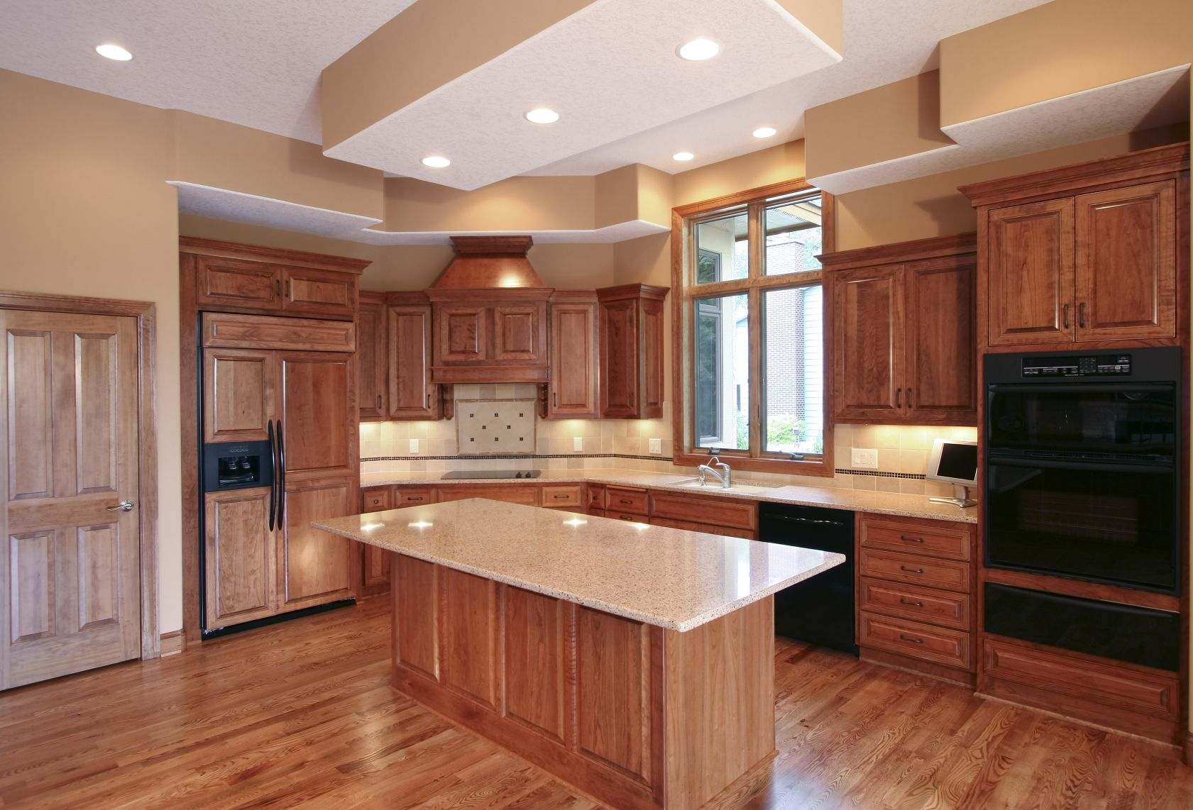 101 Custom Kitchen Design Ideas Pictures Black Appliances Kitchen Black Appliances Cherry Cabinets Kitchen