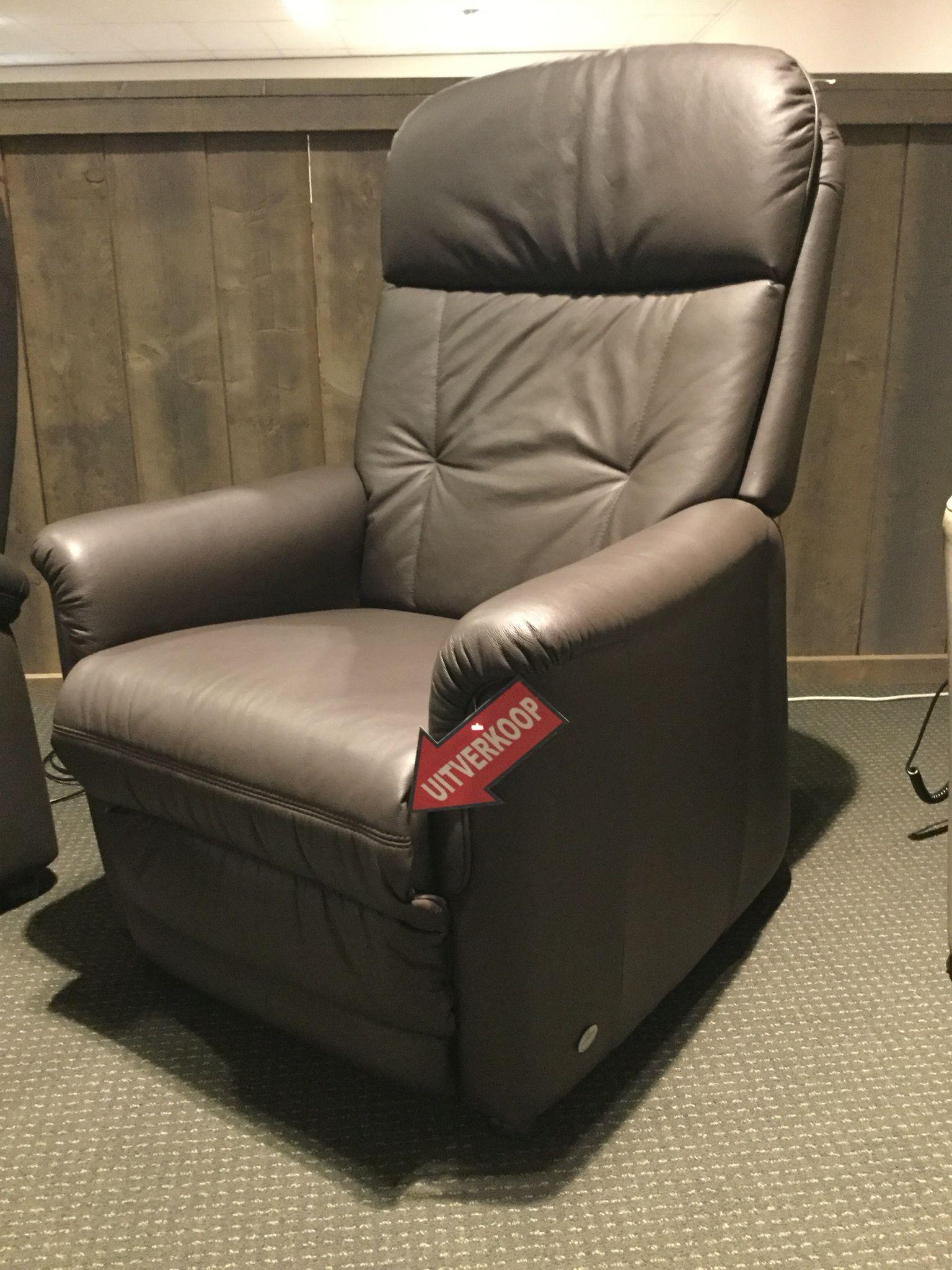 Relaxfauteuil Leder Elektrisch.Relaxfauteuil 7713 Van Himolla In Leder Elektrische Verstelling Van