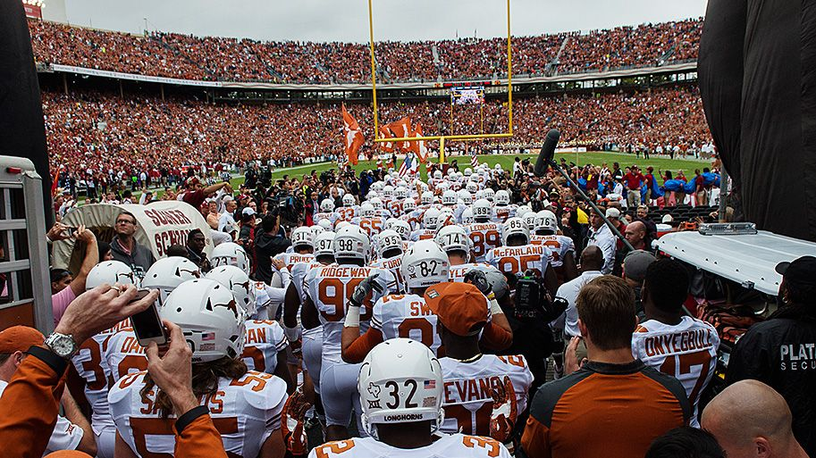 The Texas Longhorns enter the Cotton Bowl for the 2014 AT&T Red River Showdown.