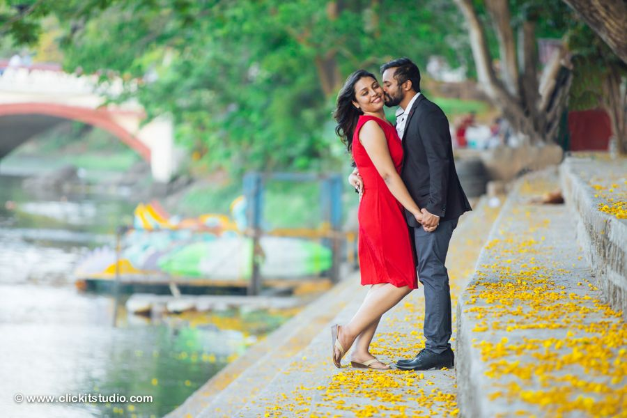 Blooming Pre Wedding Photoshoot Mumbai Best Photographers In Candid Locations For