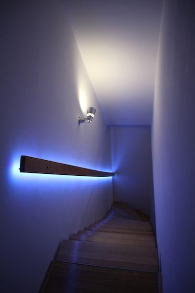 Superb Do it yourself Logitech Harmony u Homematic steuert indirektes Ambientelicht RGB LED Licht Streifen hinter dem Treppengel nder
