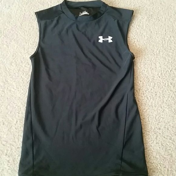 Under Armour tank NWOT. Under Armour heat gear tank top. Under Armour Tops Muscle Tees