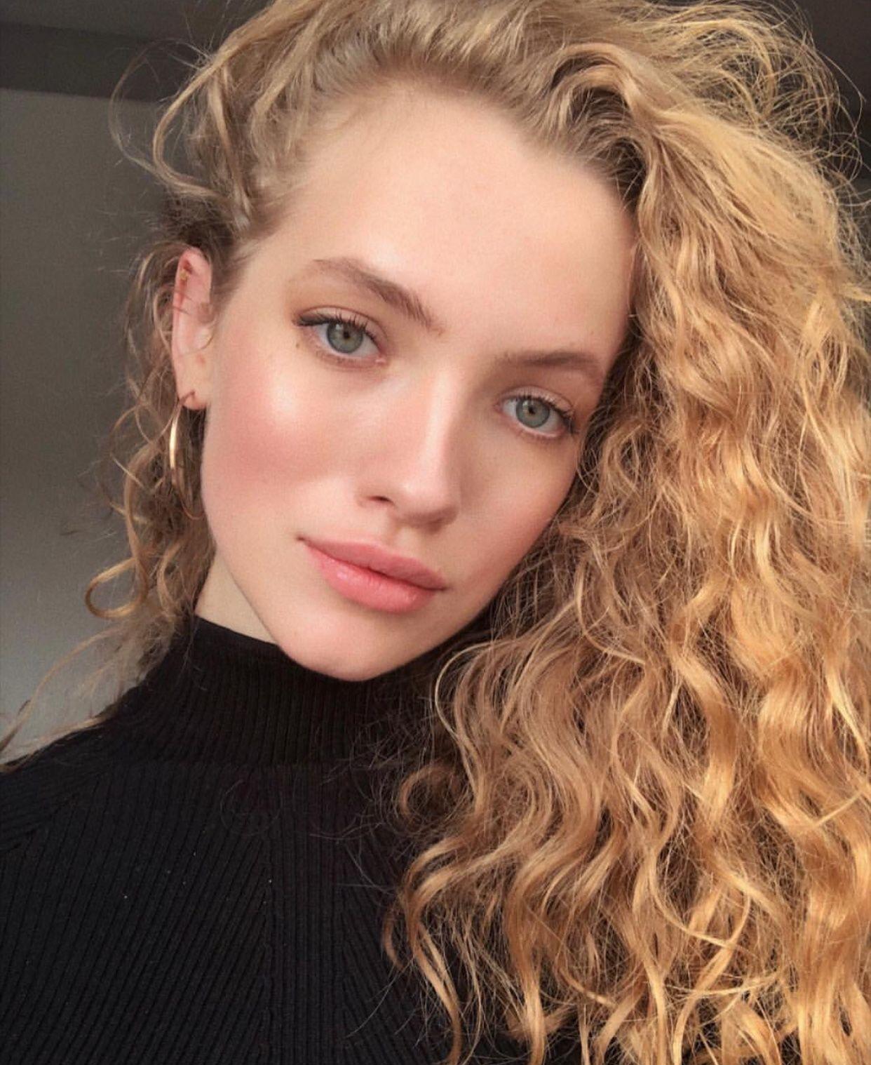 Blonde Curls Oval Face Earrings Hoop Curly Hair Styles Hair